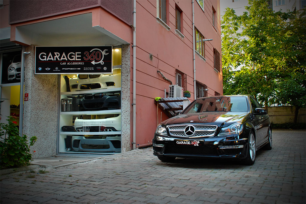MERCEDES C63 AMG BODY KİT resmi